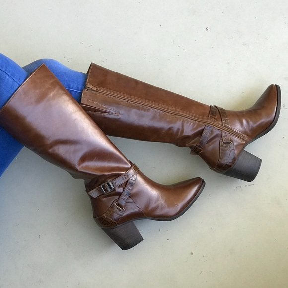 bee529ab7e9 Cognac Tall Pointy Toe Knee High Leather Boots NWT